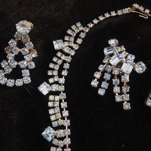 VINTAGE 2pair Earrings & Choker in Blue Rhinestone
